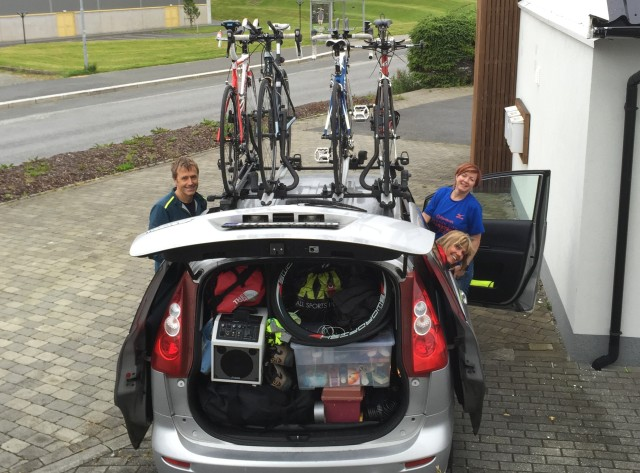 Support crew Ingvill, Torill og Bjørn Helge klar for avreise