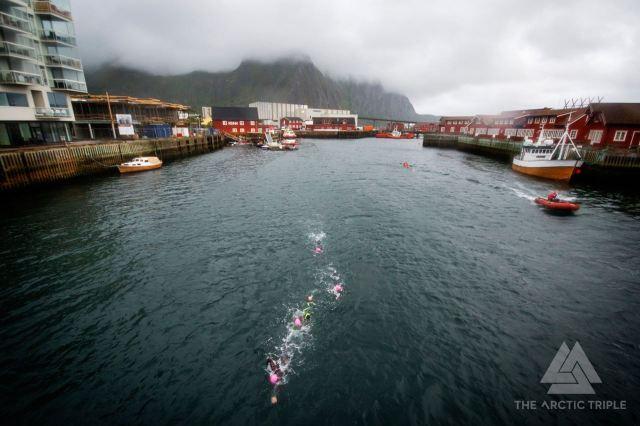 Leder chase group, nummer tre opp av vannet. foto: Kai-Otto Melau